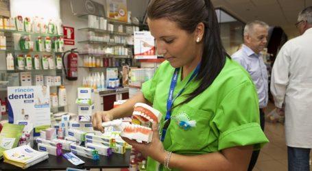 """Una farmacia tirajanera y otra santaluceña participan en la campaña """"Cuida tu sonrisa"""""""