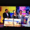 Melchor Camón, en el programa Sálvame entregando el premio