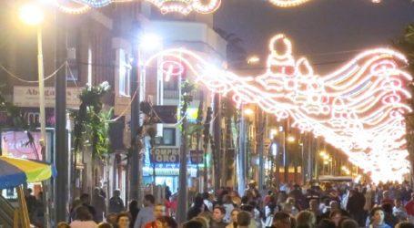 Santa Lucía cierra la campaña de Navidad con la cabalgata y los roscones de Reyes