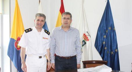 La Armada divulga en Maspalomas su oferta profesional para los jóvenes