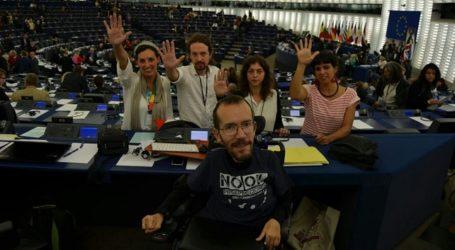 El eurodiputado de Podemos, Pablo Echenique, debate en Arinaga sobre las prospecciones