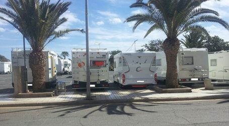 Vecinos de Mogán piden aparcamientos habilitados para las caravanas