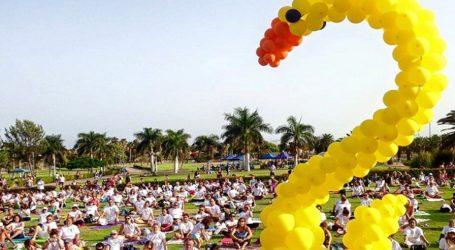 #MaspalomasAlegría reúne a 1000 personas haciendo yoga en Parque Sur