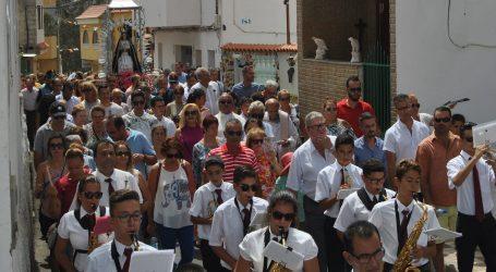 Cercados de Espino cierra sus fiestas con procesión, brindis popular y rifa