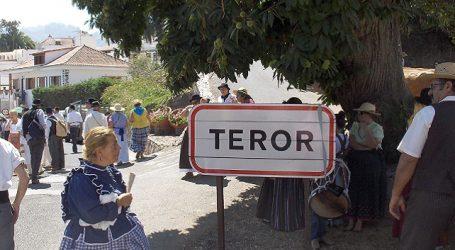 Santa Lucía lleva a la Ofrenda del Pino más de 400 kilos de alimentos en su carreta
