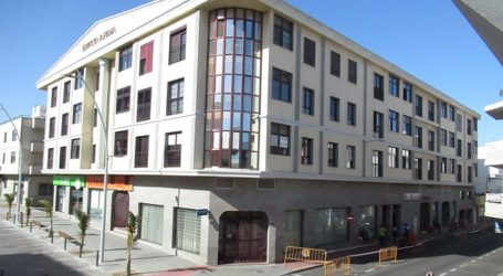 La alcaldesa pedirá a Vivienda ayudas directas para los vecinos desalojados del edificio Jafema