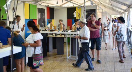 65 artesanos se dan cita en la Feria de Artesanía del Cabildo en el Faro de Maspalomas
