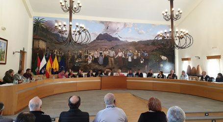 El pleno aprueba retirarle la retribución y la dedicación exclusiva a Beatriz Mejías tras su expulsión de Podemos