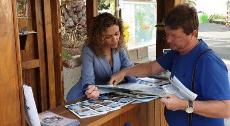 El Ayuntamiento abre una oficina de información turística en el parque del casco de Santa Lucía