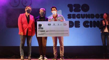 Juan Cruz, con su corto 'Ramé', se alza con el primer premio del concurso '120 Segundos de Cine' de Ingenio