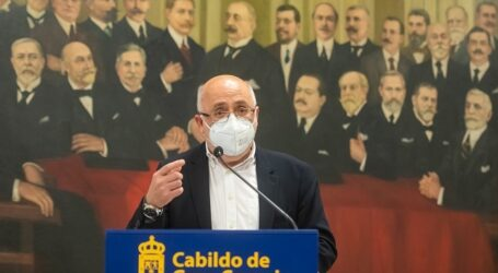 Jerónimo Saavedra, Sila Sánchez y Fernando Redondo, Hijos Predilectos de Gran Canaria, Juan Nogales y Pino Marrero, Adoptivos
