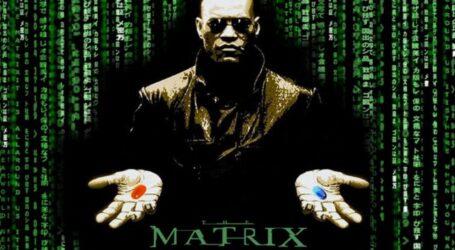 Entre pastillas azules o rojas se esconde el Ingreso Vital y la secuencia continua cinematográfica