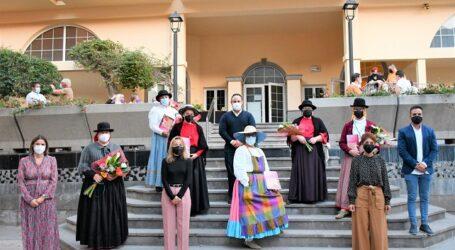 Seis integrantes de la Agrupación El Mocán reciben los IV Premios Mujer Mogán