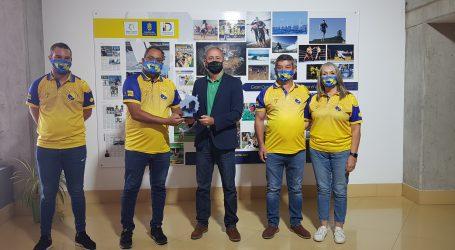 Francisco Castellano recibe a la Federación  Gran Canaria de Petanca tras proclamarse  campeones de Canarias