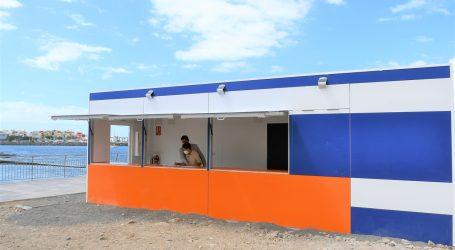 Turismo de Canarias entrega los módulos de restauración y aseos de las playas de Costa Alegre y El Cura