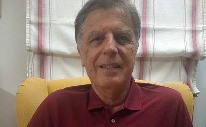 El escritor Juan José Mendoza presenta 'A orillas del Guiniguada', una novela laminada alrededor de las luces y las sombras del obispo Antonio Pildain