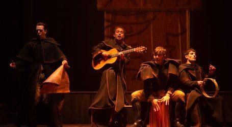 Mayo se despide en el Cuyás con la música, el humor y el verso de Ron Lalá