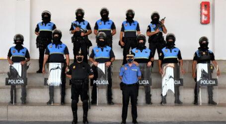 Los policías locales de Mogán reciben formación en control de masas