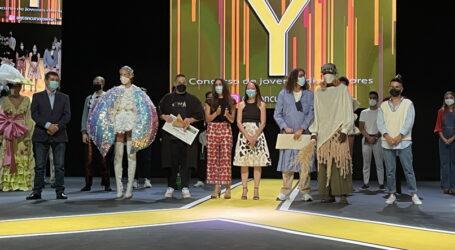 Aday Batista, mejor diseño y Felix Iriome, mejor estilismo, ganadores del 'Concurso de jóvenes diseñadores, Y' de Santa Lucía