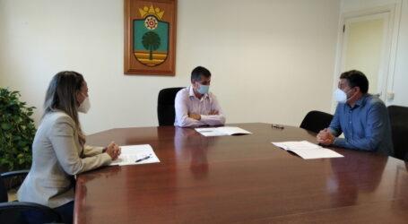 El Ayuntamiento firma un contrato con la SGAE para la emisión de música en la Avenida de Canarias y en la Oficina de Atención Ciudadana