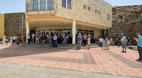 La Corporación Municipal y el personal del Ayuntamiento de Santa Lucía se suman a la condena del asesinato de la niña Olivia