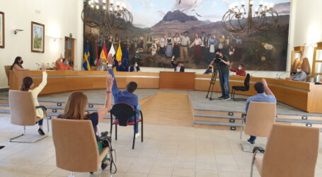 El  Gobierno municipal muestra su unidad y el pleno rechaza la reprobación del alcalde y del concejal Pedro Sánchez