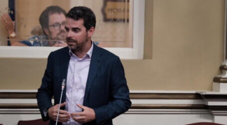 LUCAS BRAVO DE LAGUNA SOLICITA UNA PARTIDA PRESUPUESTARIA EXTRA PARA LA VUELTA AL COLE DE LAS FAMILIAS CANARIAS